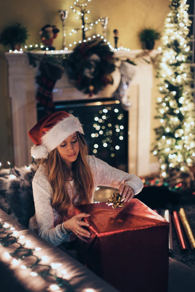 5 Ways to Bring More Joy Home This Holiday Season - Gifting